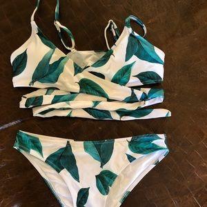 """""""Live life of the beach"""" bikini by Cupshe"""